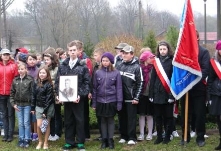 Dąb Pamięci aspiranta Czesława Jędrejka z Garbowa – relacja z uroczystości