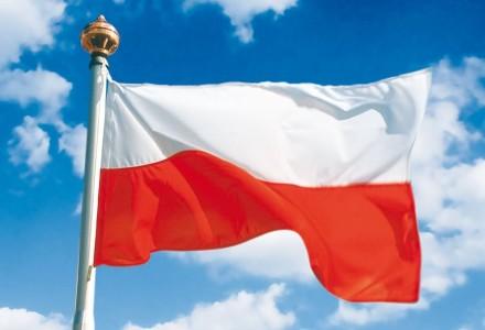Polacy autentycznie cieszą się z rocznicy odzyskania niepodległości. Od kilku dni w oknach i na balkonach wiszą flagi. Przez miasta idą marsze