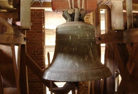 90 lat temu do Garbowa wrócił z Rosji dzwon  z 1512 r. ufundowany przez kapelana królewskiego Jana Ożarowskiego