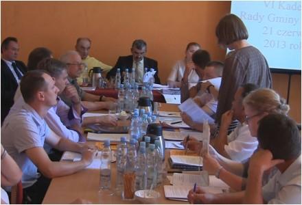 """Wojna o nazwę c.d. – 21 czerwca 2013 – """"Oświadczenie mieszkańców Bogucina"""" dotyczące zrabowanych nazw węzłów drogowych, odczytane na sesji Rady Gminy Garbów."""