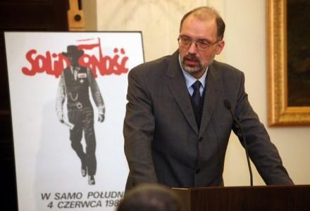"""Prof. Nowak: To największa klęska demokracji w Polsce od roku 1947. """"Albo uznamy się za głupców, albo za podpalaczy…"""""""