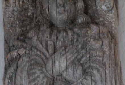 Anioł adoruje Ofiarę Krzyżową Chrystusa. Wilno, lipiec 2013