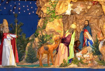 Bożonarodzeniowa ruchoma szopka autorstwa Gustawa Jędrejka