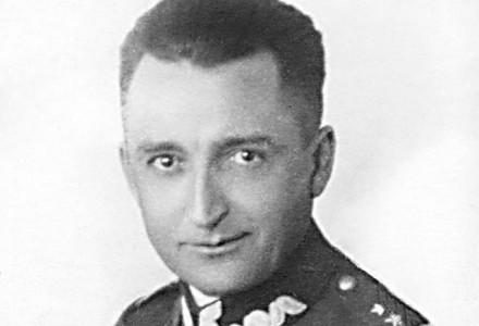 """24 lutego 1953 roku w więzieniu mokotowskim w Warszawie wykonano wyrok śmierci na gen. Auguście Emilu Fieldorfie """"Nilu"""". Powieszono go jak pospolitego przestępcę"""
