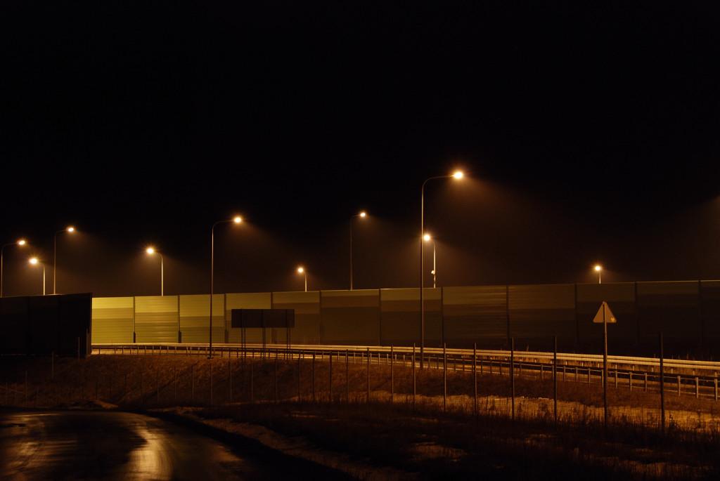 niepotrzebne oświetlenie na s17 w Bogucinie0001
