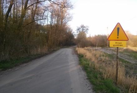 """Kiedy powiat lubelski wybuduje drogi od węzła """"Przybysławice"""" do Woli Przybysławskiej oraz od """"leśniczówki"""" w Woli do Meszna ?"""