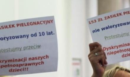 W Sejmie trwa protest rodziców niepełnosprawnych dzieci. O tym media powinny krzyczeć!