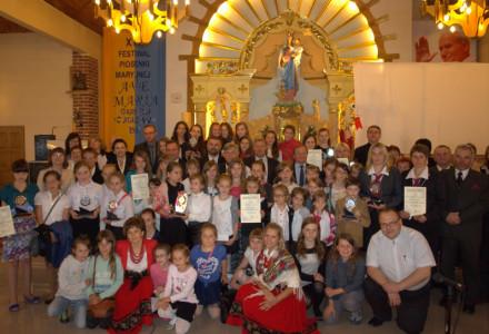"""Cantare amantis est. XIX Festiwal Piosenki Maryjnej """"Ave Maria"""" w parafii pw. Macierzyństwa NMP w Garbowie – Cukrowni"""