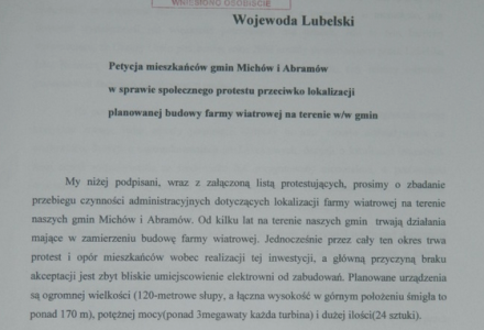 17 lipca 2014 – Ponad 700 podpisów mieszkańców pod petycją do Wojewody Lubelskiego przeciwko budowie farmy wiatrowej w gminach Abramów i Michów