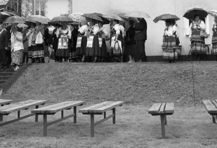 """Ks. Proboszcz Zenon Małyszek: """"Może ten dzisiejszy deszcz, po tej wczorajszej pięknej pogodzie, to jakiś znak dla nas…"""""""