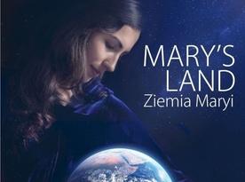 """Tłumy na filmie """"Mary's Land. Ziemia Maryi"""""""