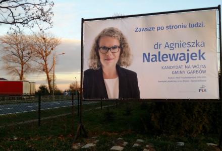Pierwszy baner wyborczy. dr Agnieszka Nalewajek. Zawsze po stronie ludzi…