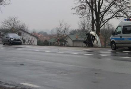 16 grudnia 2014 – Poważny wypadek w Garbowie. Na szczęście obyło się bez ofiar
