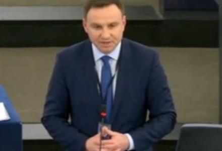 W końcu polityk, który mówi ludzkim głosem. Przemówienie Andrzeja Dudy w Parlamencie Europejskim. Brawo!