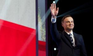 NIEZALEZNA.PL: Środowisko naukowe staje murem za Andrzejem Dudą. Powstał Akademicki Komitet Honorowy