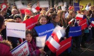 Sprowadzili dzieci na wiec Komorowskiego. Przedszkolaki ofiarami agitacji wyborczej?