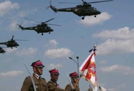 Gen. Polko: Decyzja MON ws. śmigłowców to wbicie noża w plecy polskiemu przemysłowi obronnemu