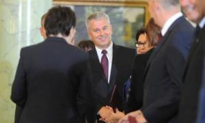 Komorowski ma problem. Grabarczyk jest założycielem jego komitetu wyborczego