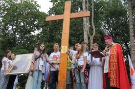 Przybycie znaków Światowych Dni Młodzieży na spotkanie Spotkanie Młodych Archidiecezji Lubelskiej do Garbowa