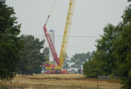 Postępuje budowa elektrowni wiatrowych w gminie Abramów