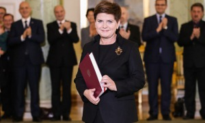 Beata Szydło: Bill Clinton powinien nas przeprosić. Tego typu stwierdzenia są nie tylko nieuprawnione, ale po prostu krzywdzące