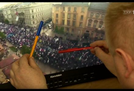 """45 tysięcy, a nie ćwierć miliona. """"Wiadomości"""" TVP, na podstawie obrazu z dwóch kamer, podliczyły sobotni marsz"""