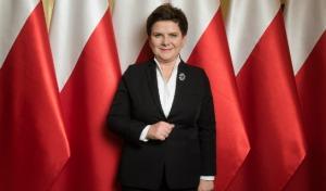 Rok po objęciu rządów przez PiS. Premier Szydło o planach i zrealizowanych programach