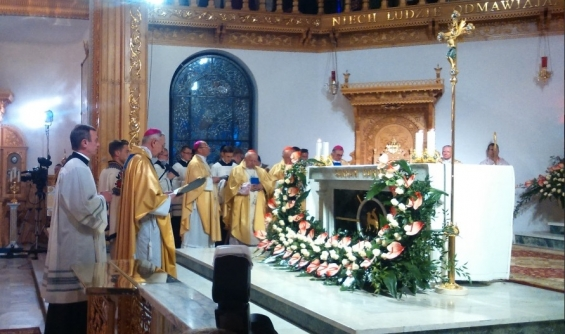 Biskupi odnowili Akt Poświęcenia Kościoła w Polsce Niepokalanemu Sercu Maryi