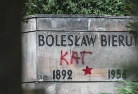 Z Powązek Wojskowych znikną groby zdrajców Polski. Nie ma tam miejsca dla ludzi, którzy zaprzedali się obcemu mocarstwu