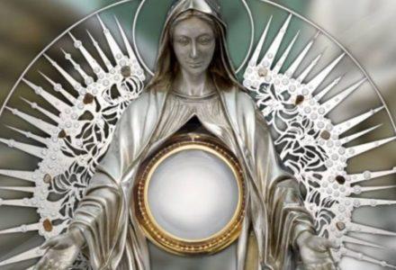 """""""Zamilknąć trzeba przed Twoją świętością i dobrocią.""""[słowo na niedzielę]"""