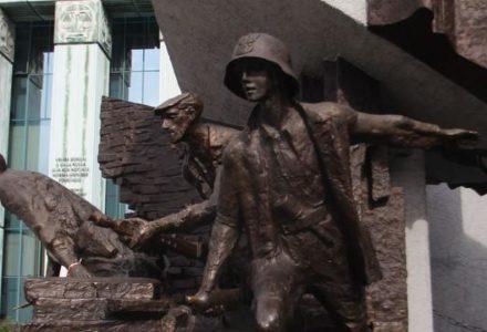 Chwała bohaterom! 74. rocznica wybuchu Powstania Warszawskiego. Cała Polska pamięta o zrywie