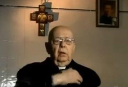 """""""Egzorcysta"""" – spotkanie z o. Gabrielem Amorthem (dokument)"""