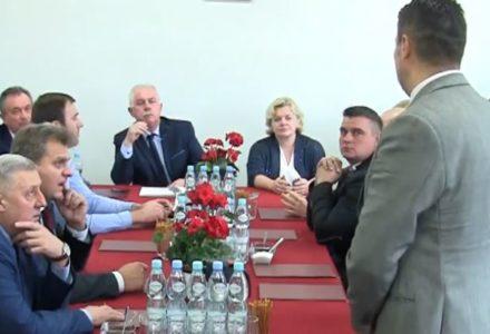 Inauguracyjna sesja Rady Gminy Garbów – 21.11.2018 [wideo naszgarbow.pl]