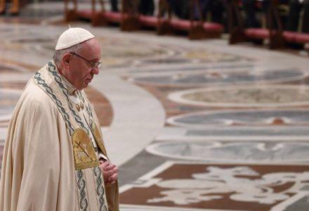 Papież: Dajmy się prowadzić za rękę Matce Bożej