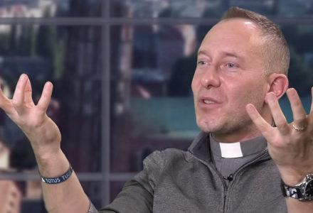 Kim jest Maryja? – wywiad z ks. Dominikiem Chmielewskim. Rozmawia Krzysztof Kunert.