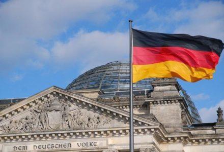 Strach zagląda w oczy? Niemcy próbują bronić się przed wypłatą reparacji: Tak potężny zastrzyk gotówki przegrzeje koniunkturę