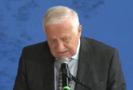 """Vaclav Klaus: """"Cowidyzm jest bardziej niebezpieczny od Covida"""".  Bardzo dobre przemówienie byłego prezydenta Czech."""